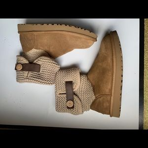 UGG women's Boots Worn Only A Few Times Size 8